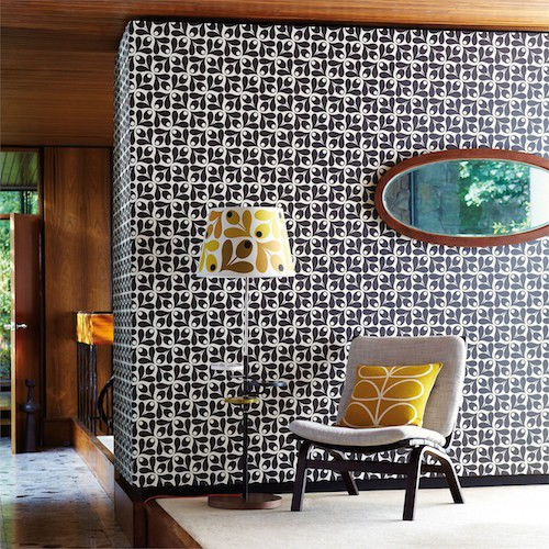 behang orla kiely small acorn cup zwart wit of creme living lounge. Black Bedroom Furniture Sets. Home Design Ideas